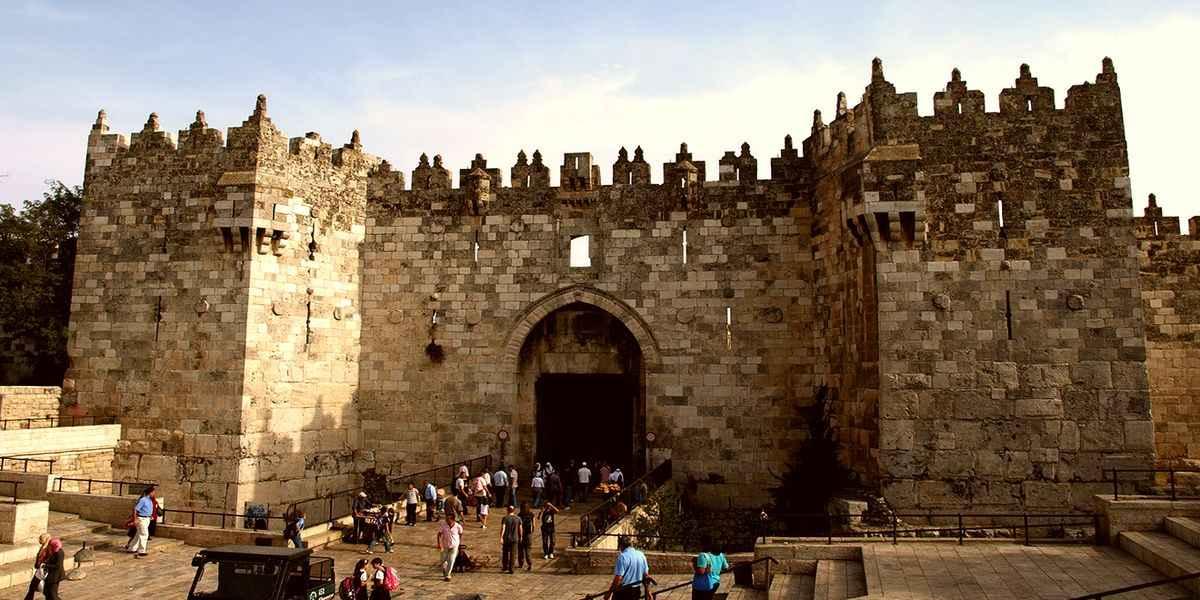 Картинки по запросу дамасские ворота в Иерусалиме